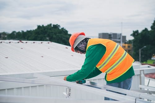 Things To Consider Before Choosing A Roofing Contractor